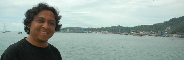 Teluk Bayur, pergi belajar untuk kembali. (Foto: Chandrasena)