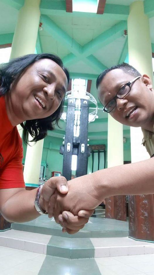 Di Tugu Katulistiwa: transfer energi sukses